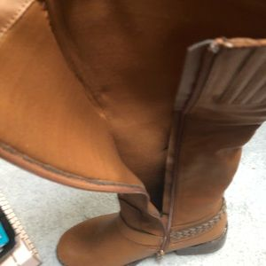 Women size 8 wide calf leather boots